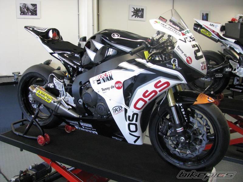 Honda CBR 1000 RR 2008-2011 <SC59> - Page 8 Bikepi10