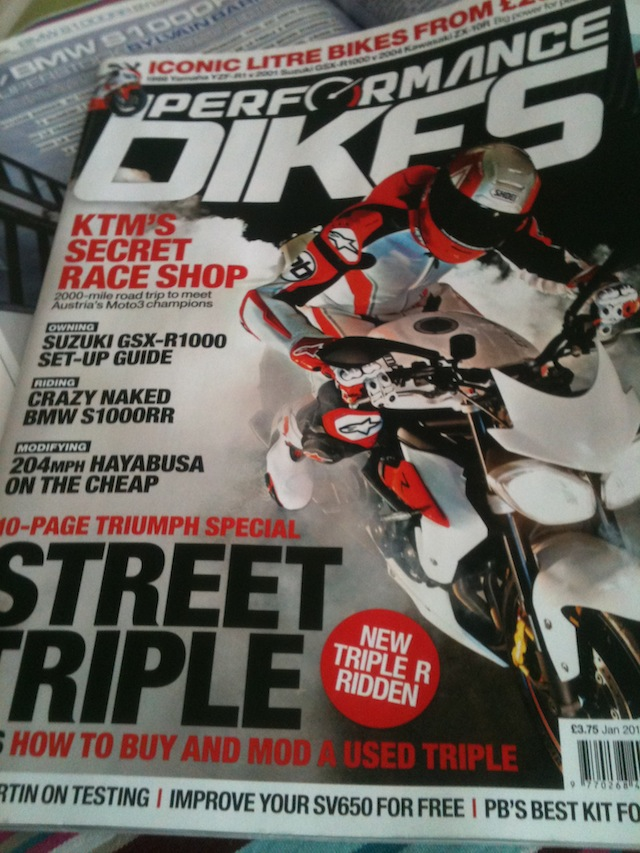 Triumph Daytona, Daytona R et Street R 675 - Page 6 Img_3212