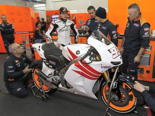 MotoGP - Saison 2013 - - Page 4 Marc_m10