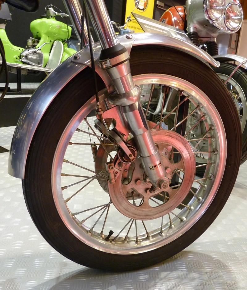Salon de la Moto : Paris 2011... - Page 2 P1050611