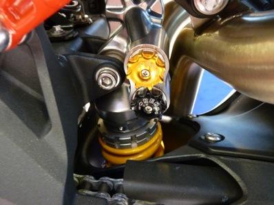 Salon de la Moto : Paris 2011... - Page 2 P1050622