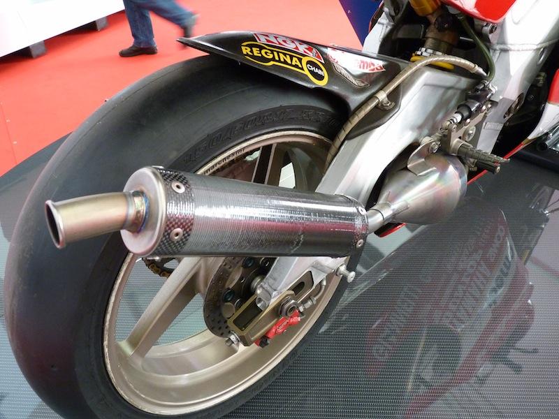 Salon de la Moto : Paris 2011... - Page 2 P1050711