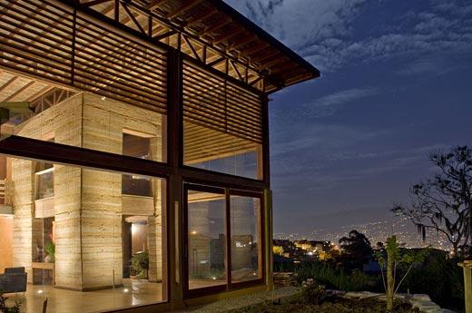 Construire sa maison en terre Arton810