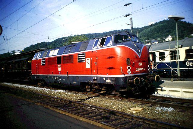 Baureihe 221 / V200.1 der DB 293