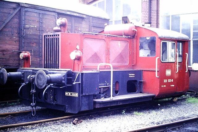 Kleindiesellok Köf II - DB-Baureihe 322-324 - DR BR 100 / 310 2_323_10
