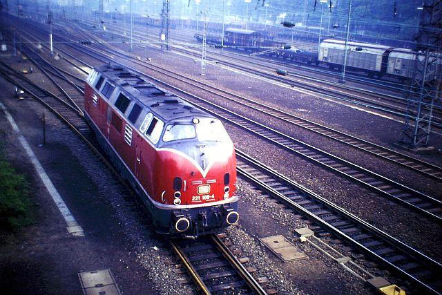 Baureihe 221 / V200.1 der DB 363