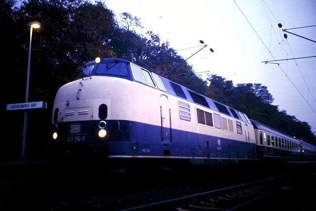 Baureihe 221 / V200.1 der DB 453