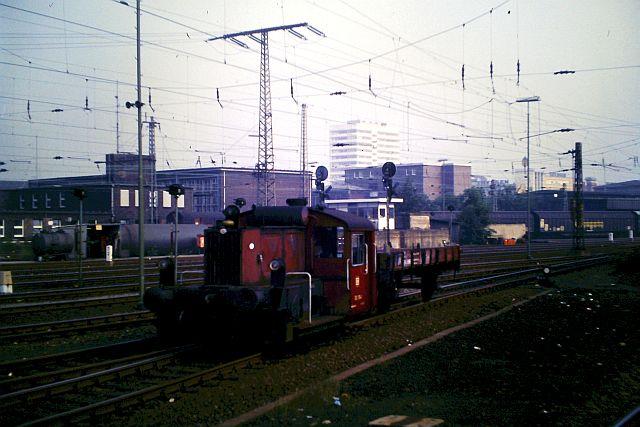 Kleindiesellok Köf II - DB-Baureihe 322-324 - DR BR 100 / 310 5_323_10