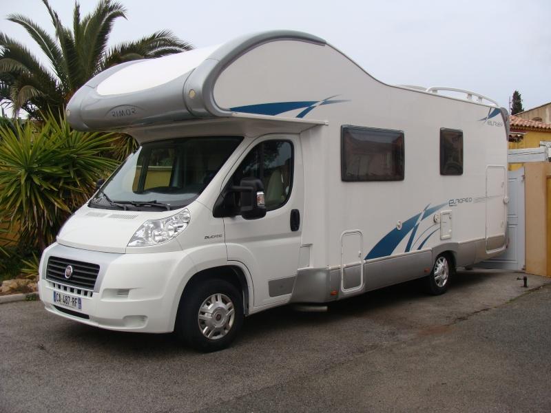 il est là...le camping car Dsc04617