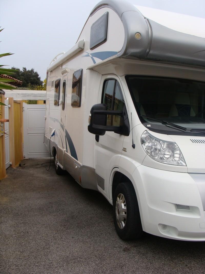 il est là...le camping car Dsc04619