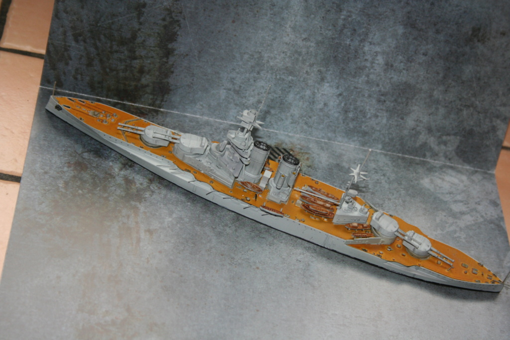 HMS Queen Elisabeth (1918) 1/700 Img_0113