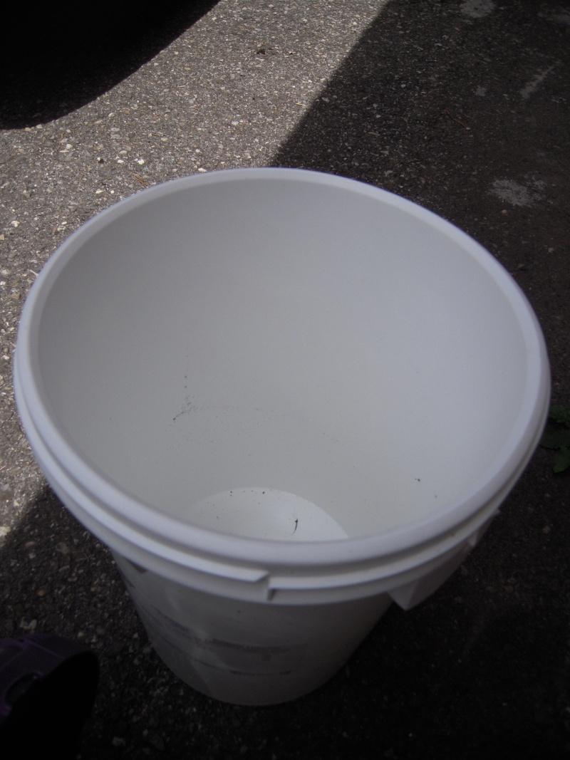 peut vous récuperer gratuitement des bac en plastique (photo) Dscn9118