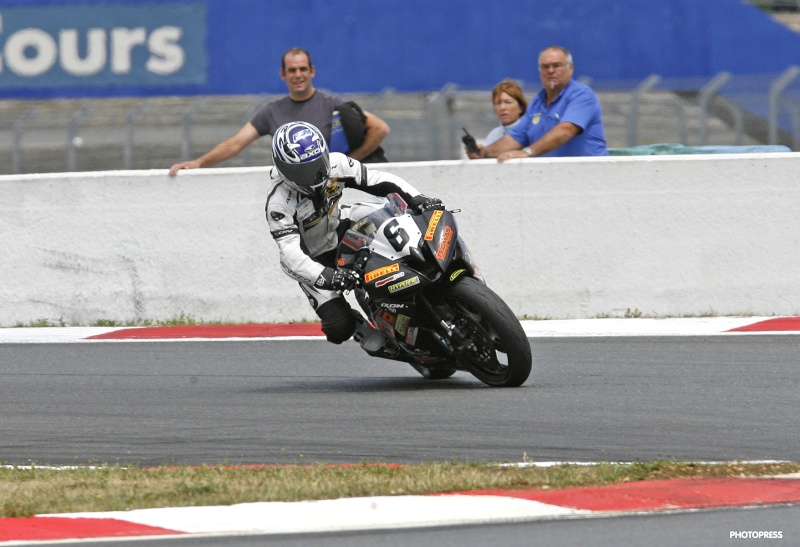 [FSBK] Magny Cours, 17 juillet 2011 - Page 3 1-mags10