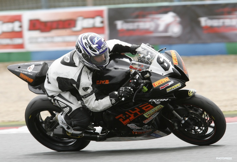 [FSBK] Magny Cours, 17 juillet 2011 - Page 4 1-mags11