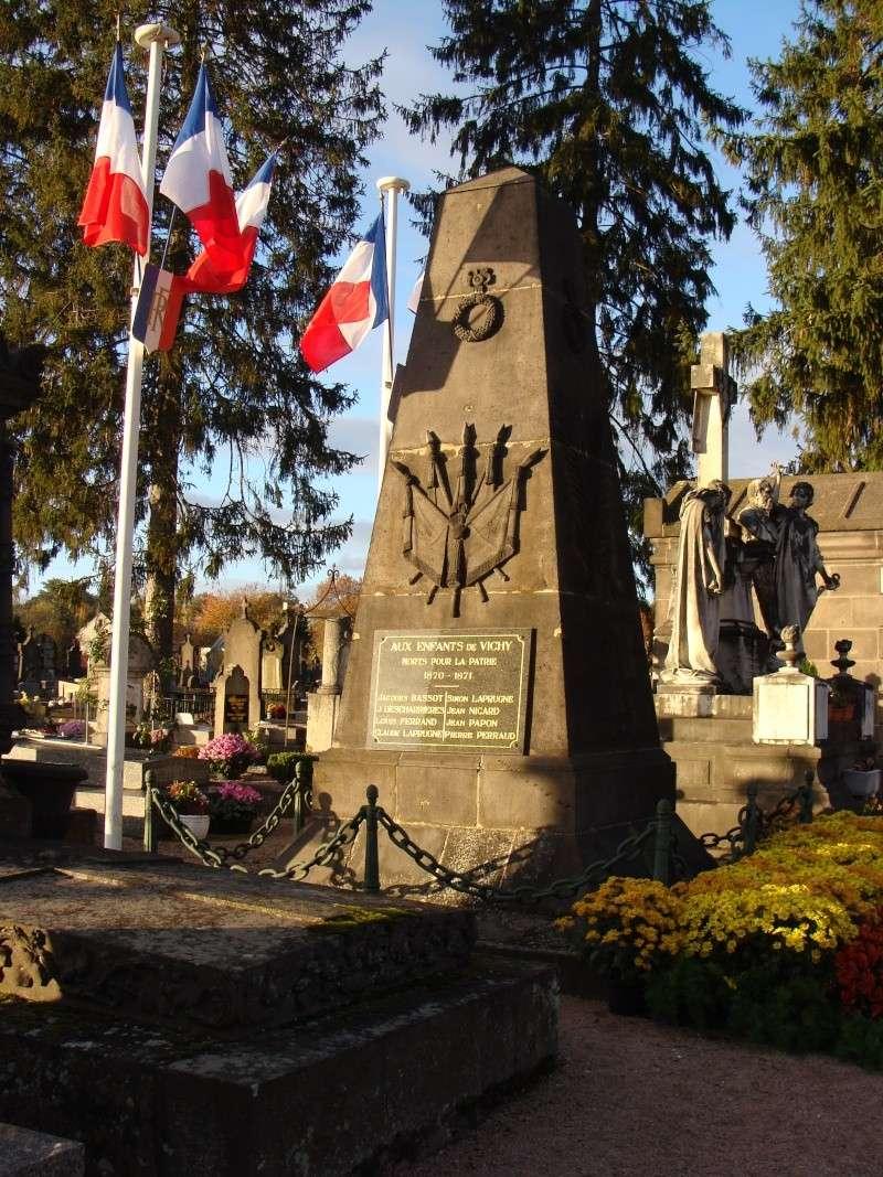 [Histoires et Histoire] Monuments aux morts originaux Français Tome 1 - Page 6 Dsc08214