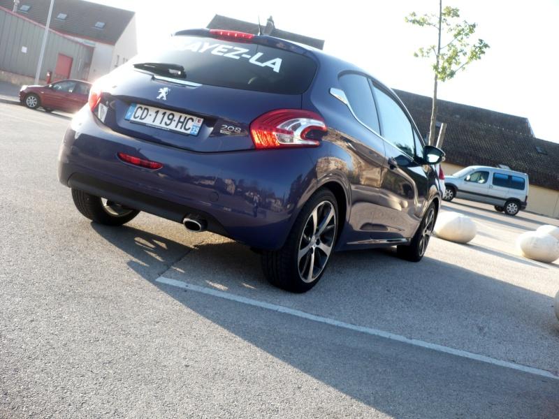 [Peugeot] 208 - Page 3 208_le15
