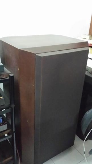 B&W 808 speaker 20200216