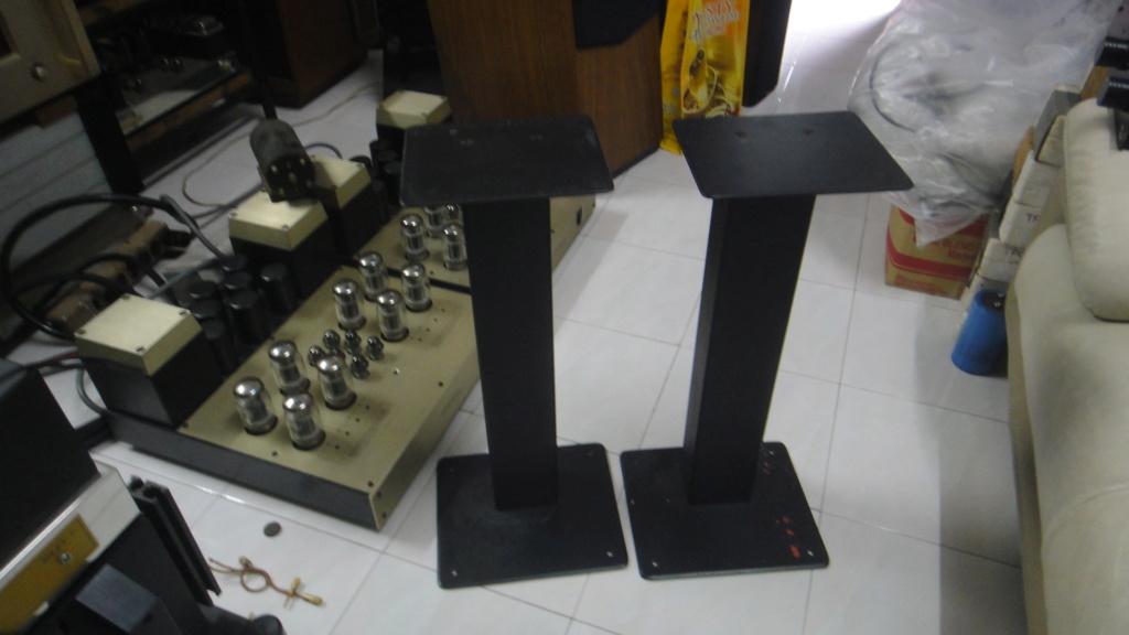 24'' speaker stand Dsc06526