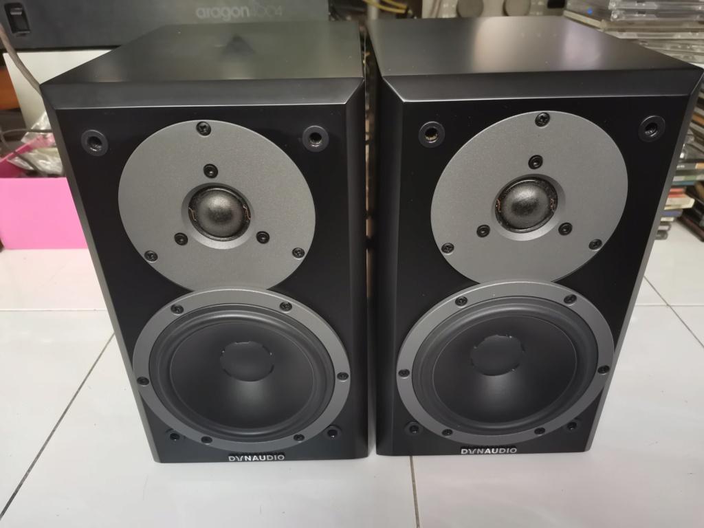 Dynaudio Emit M10 bookshelf loudspeaker Img_2139