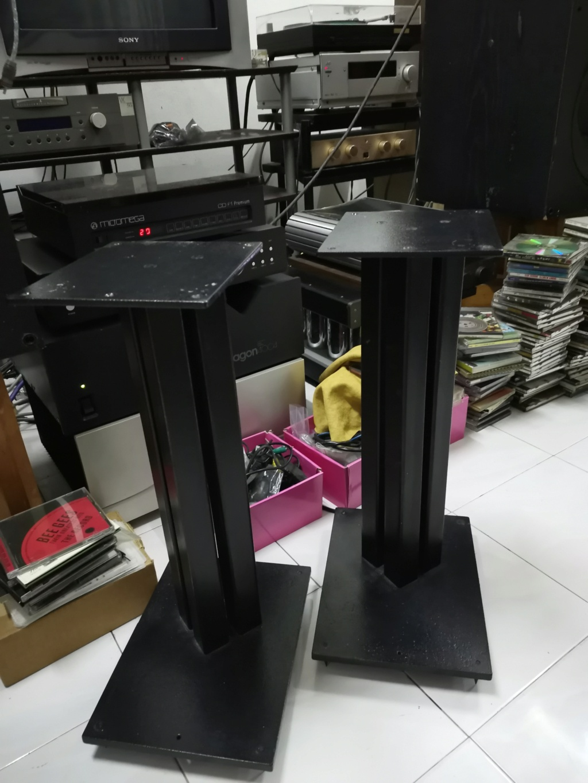 21'' speaker stand Img_2165