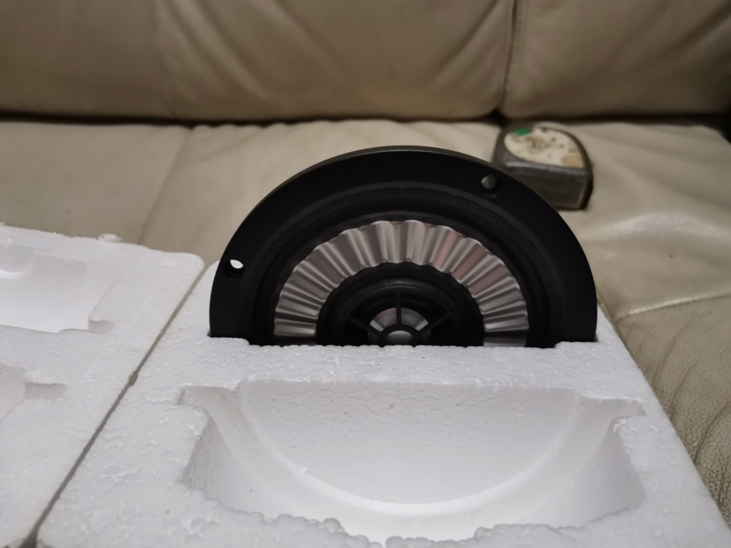 Thiel cs 3.7 speaker driver unit SOLD Img_2170