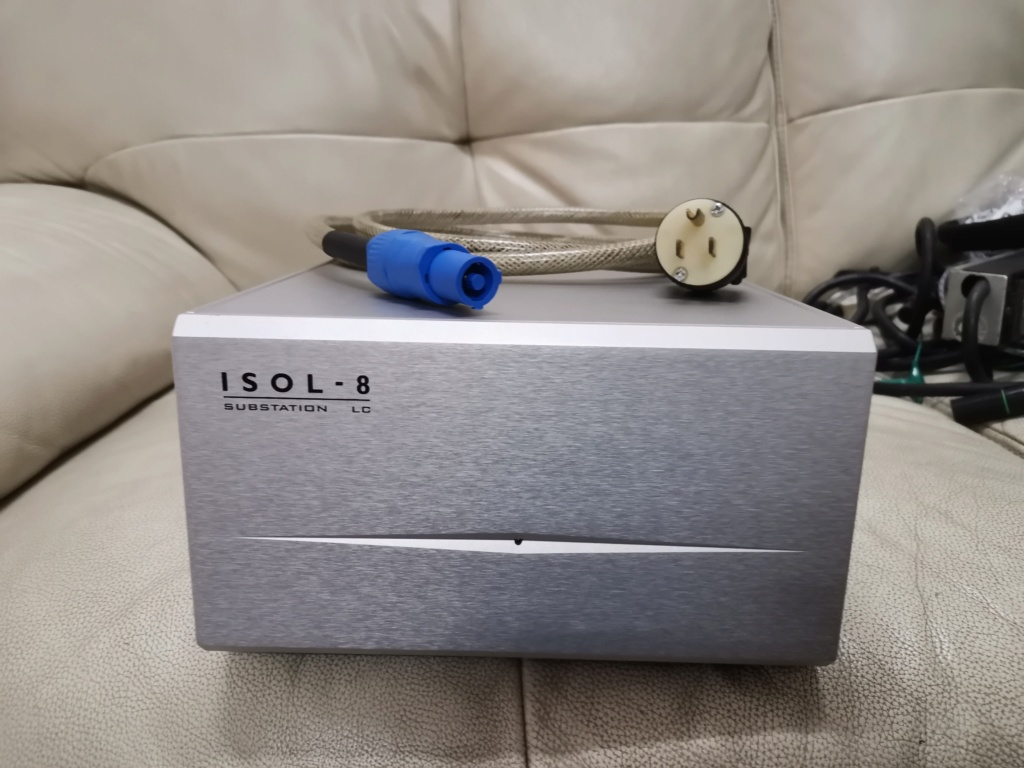 ISOL-8 SubStation LC Mains Conditioner SOLD Img_2255