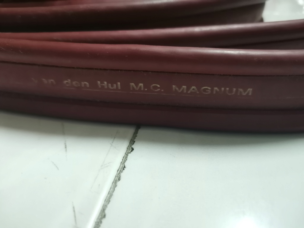 Van Den Hul M.C Magnum speaker cable SOLD Img_2289