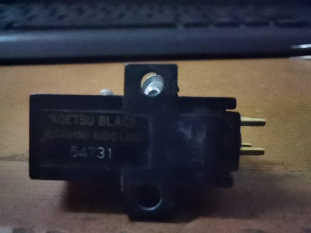 Koetsu  Black Moving Coil Phono Cartridge MC SOLD Img_2312