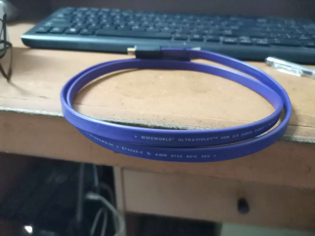 WireWorld Ultraviolet USB 2.0 A to mini B Cable Img_2394