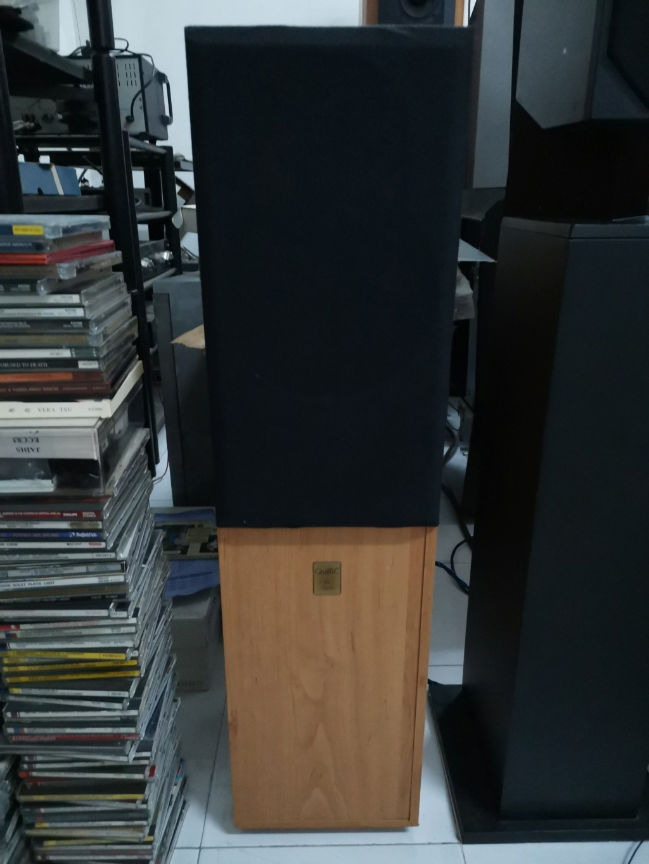 QLN qubic 122  Floor standing 2-way reflex design speaker SOLD Img_2553