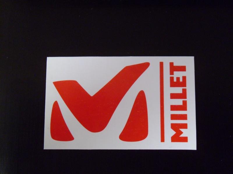 Autocollant poster ou autres effigit de vos marques préférée - Page 4 P1000011