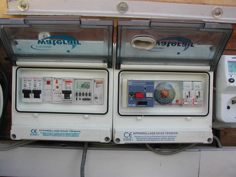 Remplacement horloge dans coffret de l'escawat Dscn3021