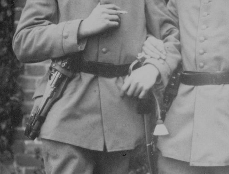 Les étuis des Luger P 08/14 d'artillerie de l'armée impériale allemande. Artill11