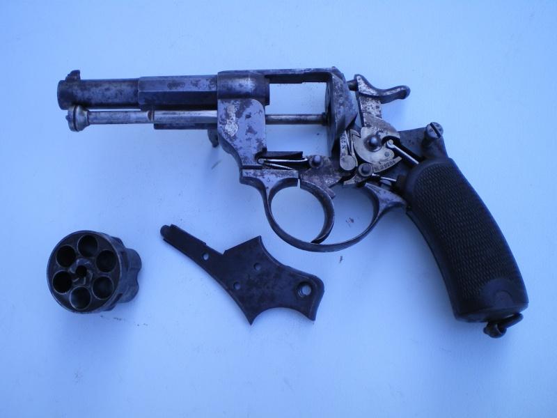 1874 french revolver . W_i10
