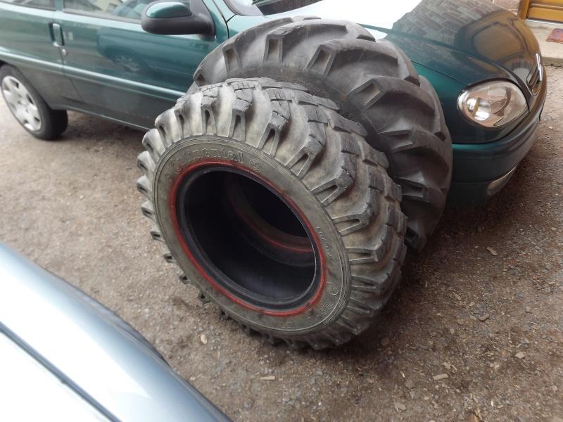 vous faites quoi de vos vieux pneus d'unimog ? 2012-018