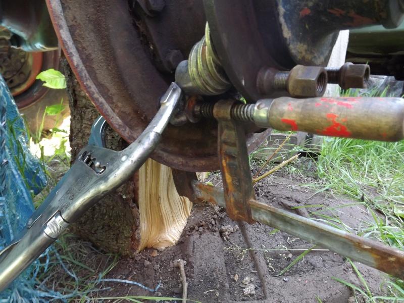 U411 ponts banjo - changement cable de frein à main 2012-032