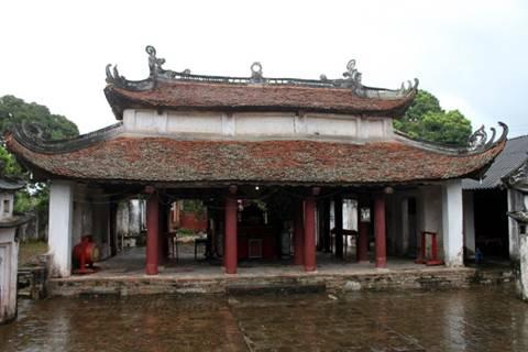Hoành phi câu đối ở điện Long Hưng . Image021