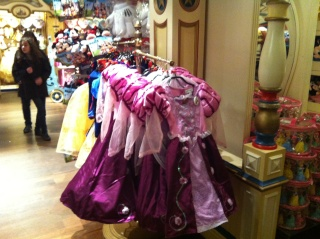 Les accros du shopping - Page 9 Img_3514