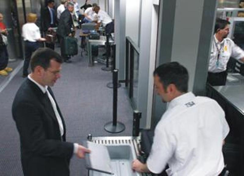 Contrôle aux aéroports Image010