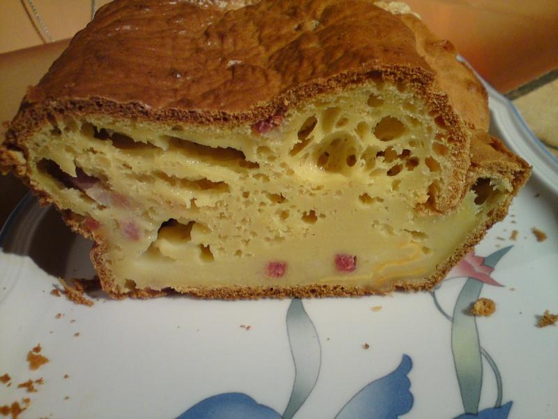 Cake au reblochon et aux lardons Cake_r10