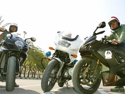 العنصر النسوي في شرطة دبي 1112