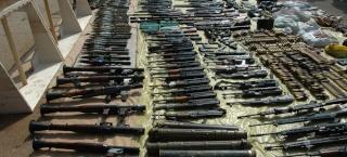 الجيش الحر يشتري السلاح من الجيش السوري ! Weapon10