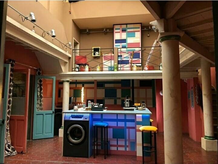 Décors intérieurs (apparts, bar, hôtel, ...) Blc210