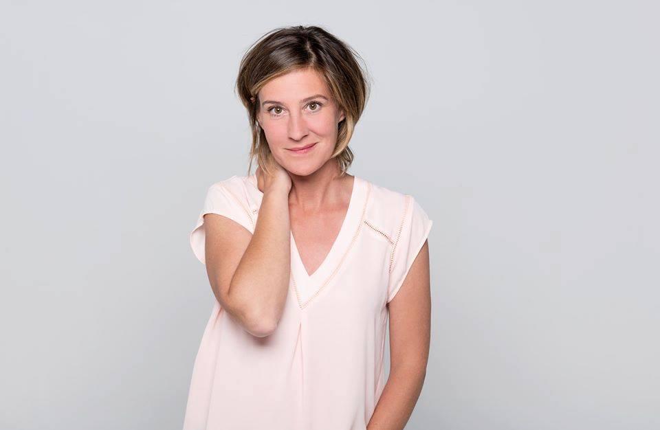 Nouvelles photos officielles des comédiens (2018) Caro110