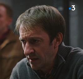 Les acteurs qui ont joué plusieurs rôles dans le feuilleton - Page 15 Lestra10