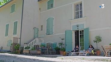 Les lieux de tournage extérieurs - Page 13 Maison17