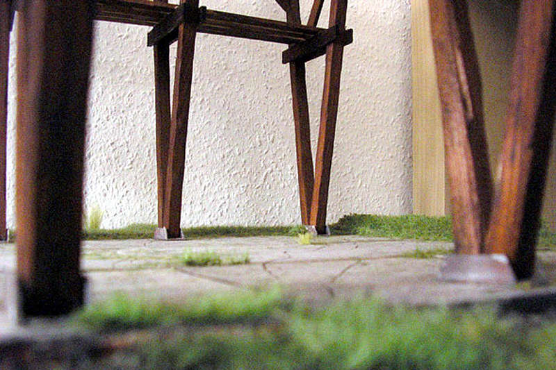 Alter verlassener Vorgarten mit großer Stützmauer - Seite 2 Platte11