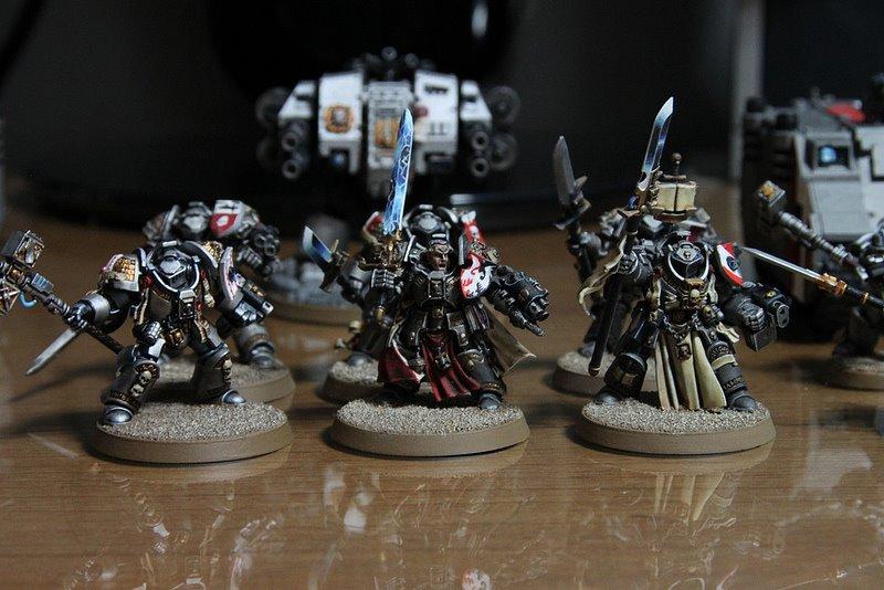 Warhammer 40K (figurines diverses trouvées sur internet! ) - Page 17 54500410