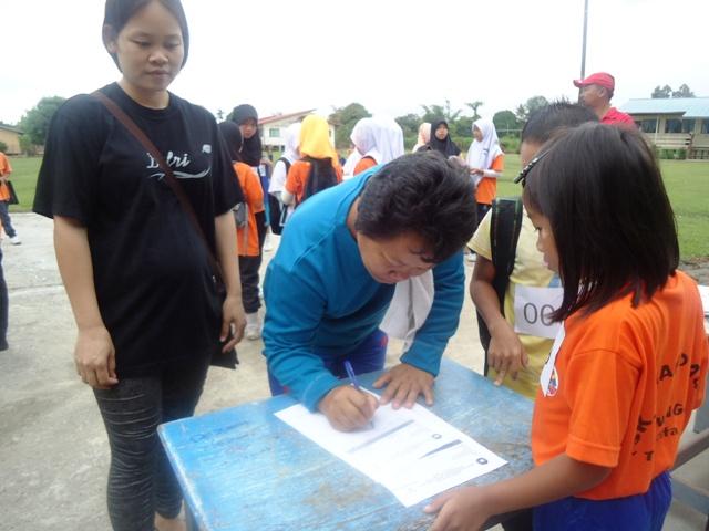 Larian Serentak 1Murid 1Sukan 1 Malaysia -1julai2011 Dsc05313