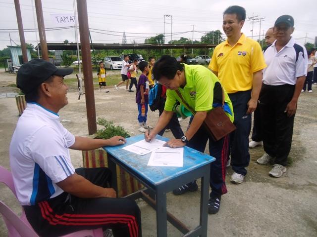 Larian Serentak 1Murid 1Sukan 1 Malaysia -1julai2011 Dsc05314